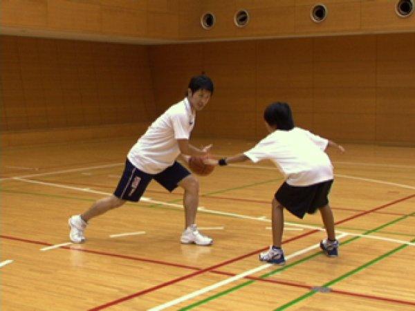 画像1: 鈴木良和 今より少しうまくなろう Vol.5 実戦ドリブル2 横の変化1 (1)